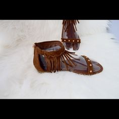 Sandals Hello Ladies, get ready for summer with our new style sandals for every day, casual, or special occasions use. This one of our many styles, each of them are brand new. Check out our entire closet for items that fit your style. Shop with confidence, Imperfect Divine. Shoes Sandals