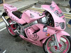 Woah! Hello Kitty motorcycle!!!