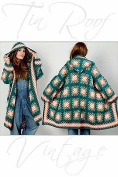 Transcendent Crochet a Solid Granny Square Ideas. Inconceivable Crochet a Solid Granny Square Ideas. Granny Square Sweater, Granny Square Häkelanleitung, Granny Square Crochet Pattern, Crochet Squares, Crochet Granny, Hand Crochet, Crochet Baby, Hand Knitting, Knitting Patterns
