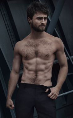 Daniel Radcliffe Goes Shirtless in Sexy 'Vanity Fair Italia' Shoot! Daniel Radcliffe showed off his hot shirtless physique in the new issue of Vanity Fair Italia! Here's what the actor had to share with the mag: … Daniel Radcliffe Harry Potter, Daniel Radcliffe Horns, Matthew Lewis, Tyler Posey, Male Actors Under 30, Steven Avery, Vanity Fair Italia, Victor Frankenstein, Hommes Sexy