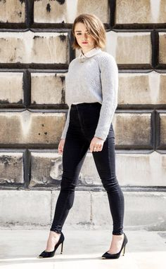 Maisie Williams - All About Maisie Williams Sophie Turner, Game Of Thrones Meme, Game Of Throne Actors, Superenge Jeans, Gamine Style, Soft Gamine, Beautiful Actresses, Deviantart, Girl Crushes