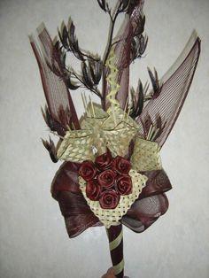Flax Flower arrangement Flower Arrangement, Floral Arrangements, Flax Weaving, Flax Flowers, Maori Designs, New Zealand Art, Weaving Designs, Maori Art, Flower Bouquets