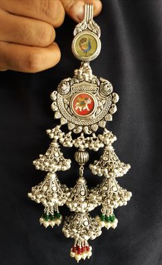 Silver Jewellery Indian, Indian Wedding Jewelry, Silver Jewelry, Gold Ring Designs, Gold Jewellery Design, Silver Anklets, Silver Payal, Gold Mangalsutra Designs, Gold Jewelry Simple