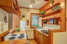 Magnolia Cottage For Sale in Seattle