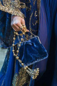 Blue Fashion, Look Fashion, Fashion Details, Autumn Fashion, High Fashion, Couture Fashion, Fashion Bags, Runway Fashion, Fashion Accessories