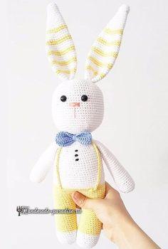 Вяжем крючком ушастых зайцев. Схемы и описание (5) (471x700, 193Kb) Easter Crochet, Crochet Art, Crochet Doll Pattern, Crochet Toys Patterns, Crochet For Kids, Amigurumi Patterns, Stuffed Toys Patterns, Crochet Rabbit, Handmade Baby Gifts
