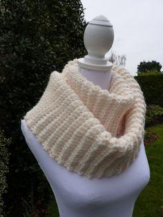 Warme gehaakte col sjaal, Col sjaal met ribbels, infinity sjaal wol, lange col gehaakt, moderne gehaakte sjaal col, trendy col.