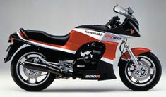 Kawasaki GPz900R Ninja                                                       …