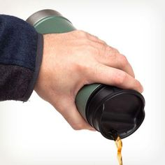 Stanley Classic One Hand Vacuum Mug Stanley Vacuum, Stanley Products, Hand Vacuum, Insulated Mugs, Outdoor Cooking, Coffee Cups, Hands, In This Moment