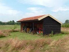 DRENTSE KAPSCHUUR 25 - Schipper Houtbouw - Dutch style shed with overhang