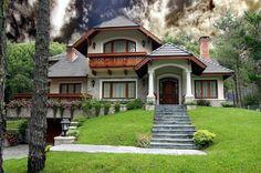 Комбинированный дом, отделанный декором из полиуретана
