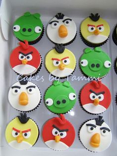 Party and event ideas and inspirations Torta Angry Birds, Cumpleaños Angry Birds, Angry Birds Cupcakes, Kid Cupcakes, Minion Cupcakes, Valentine Cupcakes, Deco Cupcake, Fondant Cupcake Toppers, Cupcake Cakes