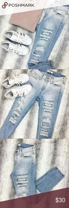 Hollister • Over Distressed Denim Selling these over distressed skinny jeans by Hollister. Worn once, still in excellent condition!! 💋These are a must have, super cute!! Hollister Jeans Skinny