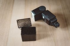 So, this article is for stylish-or-so (mostly wedding) photographers on a budget; if you were looking for a DIY honeycomb speedlight grid that is sleek, easy to mount and efficient, to use on your strobes during balls, parties and any low light dynamic situations that you might face during your events, you might be interested in this …