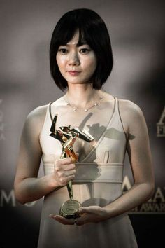 Bae Doo-na wins best actress at Asian Film Awards