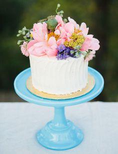 Hochzeitstorte mit echten Blumen - ms Hochzeitsinspirationen