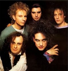From Left to Right, Boris Williams, Simon Gallup, Perry Bamonte, Porl Thompson and Robert Smith