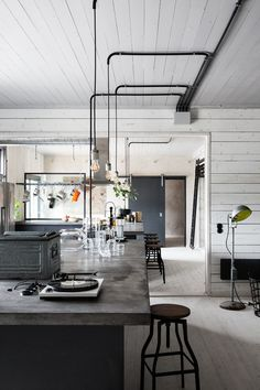 5 Cheap And Easy Ideas: Contemporary Industrial House rustic industrial office.Industrial Shelving Under Tv industrial kitchen wall. Design Industrial, Industrial Bedroom, Industrial House, Industrial Interiors, Industrial Style, Industrial Lighting, Vintage Industrial, Industrial Shelving, Industrial Office