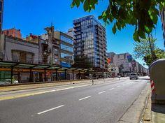 Avda.Cabildo, domingo a la siesta.#fotos,#fotografias,#paisajeurbano,#callesdebuenosaires,#fotografiacallejera,#photos,#streetphotography,cityscape,@fotossinporque ,#buenosaires