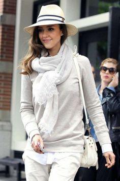 écharpe blanche pour les filles modernes, chapeau beige