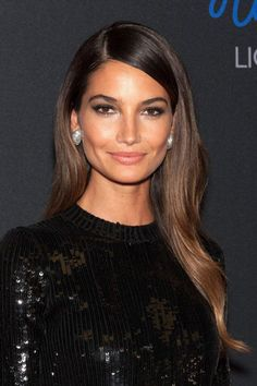 Lily Aldridge: Everything about Lily Aldridge's look is a classic, right down to her dark gray smoky eyes.