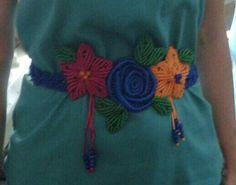 Cinturon flores macrame