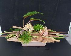 Ikebana Arrangements, Flower Arrangements Simple, Floral Centerpieces, Modern Floral Design, Floral Designs, Deco Floral, Arte Floral, Flower Show, Flower Art