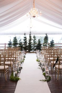 Amazing 11 Evergreen Winter Wedding Decorations For That Chic Forest Feel