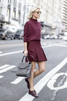Date night outfit ideas to try now: an all-monochrome look with preppy loafers. Click for more!
