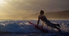 SURF TRIP PELA INDONÉSIA: Fuja do mar flat e encontre o seu drop perfeito. Bali, Jimbaran, Ubud, Sumba...percorra os principais territórios da Indonésia, surfe ondas iradas, tenha o descanso merecido que só esse paraíso terrestre pode oferecer e volte para casa com as melhores histórias dessa jornada digna de pro.