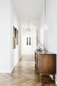43 Stunning Home Interior Design Minimalis – Trending Pins Interior Design Courses, Interior Design Companies, Home Interior Design, Interior Decorating, Floor Design, House Design, Design Design, Parquetry Floor, White Oak Floors