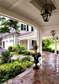 Fabulous breezeway. LOVE this! Wade Weissman Architecture.
