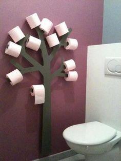 distributeurs de rouleaux originaux - perfect for the upstairs bathroom. D'autres salles de bain sur : https://danstasalledebain.wordpress.com/