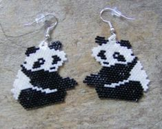 Panda Bear Earrings Hand Made Seed Beaded by wolflady on Etsy Seed Bead Jewelry, Seed Bead Earrings, Beaded Earrings, Cross Earrings, Seed Beads, Beaded Jewelry Patterns, Beading Patterns, Beading Tutorials, Beading Projects