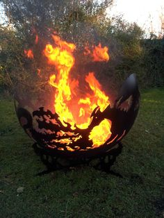 8 Cheap And Easy Cool Ideas: Simple Fire Pit Porches fire pit decor wine barrels. Fire Pit Swings, Gazebo With Fire Pit, Fire Pit Wall, Fire Pit Decor, Garden Fire Pit, Fire Pit Backyard, Dragon Fire Pit, Dragon Bowl, Porches