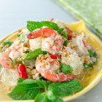 Giải nhiệt ngày hè với salad bưởi tôm ngon mát lành