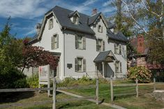 Built in 1871 in Hartford, CT, this historic building was recently updated. River Park, Harriet Beecher Stowe, Lightning Rod, New England, Places To Go, Mansions, Hartford Connecticut, House Styles, Building