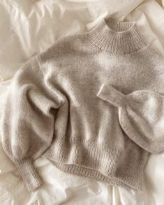 Ethical Clothing, Ethical Fashion, Baby Hoodie, Oversize Pullover, Sweater Knitting Patterns, Knitting Sweaters, Yarn Shop, Work Tops, Stockinette