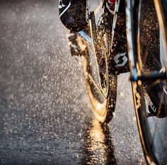 It takes only one trip on the incorrect bike seat to show irrefutably that a great bike seat is critical to routine bike riding. Urban Cycling, Urban Bike, Cycling Art, Cycling Bikes, Urban Road, Mountain Bicycle, Mountain Biking, Cycling Motivation, Road Bike Women