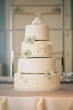 Timeless white wedding cake