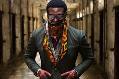 www.cewax aime les vêtements hommes ethniques, Afro tendance, Ethno tribal Men's fashion, african prints fashion - Ikire Jones sportscoats by Wale Oyejide, all of his garments are discreetly lined with wax-printed West African prints, a semi-subtle ode to his heritage. The jackets are all handmade in Brooklyn and Philadelphia by the same guy behind Raval & Knight
