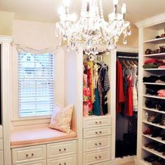 Dream closet. Wow I would never leave this space....