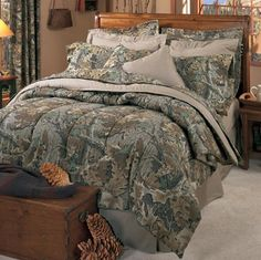 Realtree Advantage Classic Camouflage 8 Pc King Comforter Set - Includes: (1 King Comforter, 1 Flat Sheet, 1 Fitted Sheet, 2 Pillow Cases, 2 Shams, 1 Bedskirt, 1 Shower Curtain) Kimlor http://www.amazon.com/dp/B015ASIC9C/?m=A1BFG3GAF4A4Z1