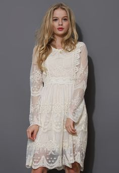 long sleeves Mi Amore Lace Dress
