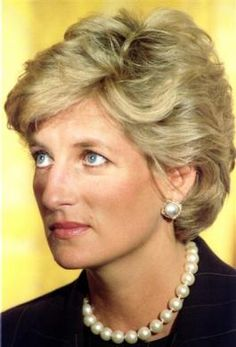 Princess Diana at a White House breakfast September 24 in recognition of the Nina Hyde Center for Breast Cancer - Stock Image Royal Princess, Princess Of Wales, Diana Fashion, Lady Diana Spencer, Spencer Family, Isabel Ii, Duchess Of Cornwall, Queen Of Hearts, British Royals