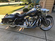 Custom Street Bikes, Custom Bikes, Road King Classic, Biker T Shirts, Beach Bars, Super Bikes, Biker Style, Harley Davidson Motorcycles, Motorbikes