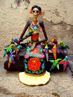 Frida Kahlo Catrina con pajaros   Flickr - Photo Sharing!