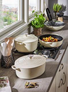 Kitchen Magic, Gold Kitchen, Cute Kitchen, Kitchen Pantry, Kitchen Utensils, Kitchen Dining, Kitchen Appliances, Le Creuset Cookware, Kitchenaid Artisan