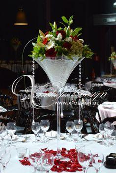 inspiration boudoir: noir, rouge et blanc. location de vases martini, guirlandes et pampilles, Décoration de mariage en Belgique, Bruxelles, Brabant Wallon
