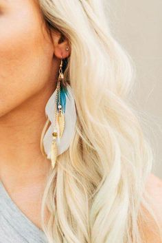 Bijoux – Tendance : The More Feathers the Better Earrings Idée et inspiration Bijoux : Image Description The More Feathers the Better Earrings Feather Jewelry, Feather Earrings, Jewelry Shop, Bohemian Jewelry, Jewelry Accessories, Fine Jewelry, Jewelry Design, Bohemian Rings, Bohemian Bracelets
